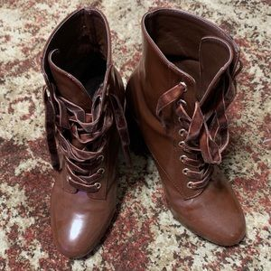Brown Boot with a Heel Size 5.5
